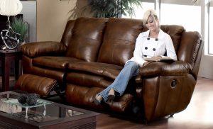 Как ухаживать за кожаной мебелью